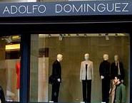El dise ador gallego adolfo dom nguez abre su primera for Tiendas adolfo dominguez valencia
