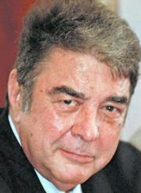 La Asociación de Periodistas de Galicia ha decidido que el periodista coruñés Manuel Martín Ferrand sea el galardonado este año con el Premio Periodístico ... - manuel_martin_ferrand